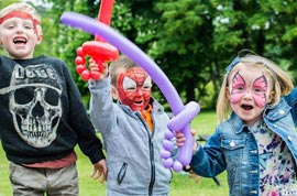 Face painter and balloon artist available in Cork